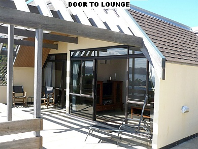 DOOR TO LOUNGE